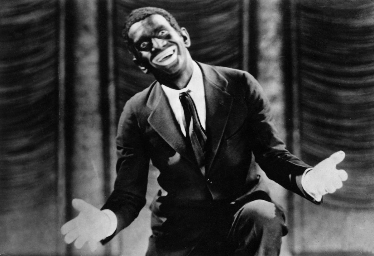 Al Jolson performing in blackface